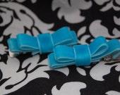 Velvet turquois ribbon clips