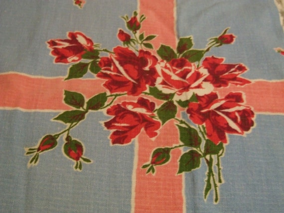 AmaZiNg BLuE and PiNk FLoRaL  ViNTaGe  ROsEs TaBLeCLoTh  FAbRiC PiECe