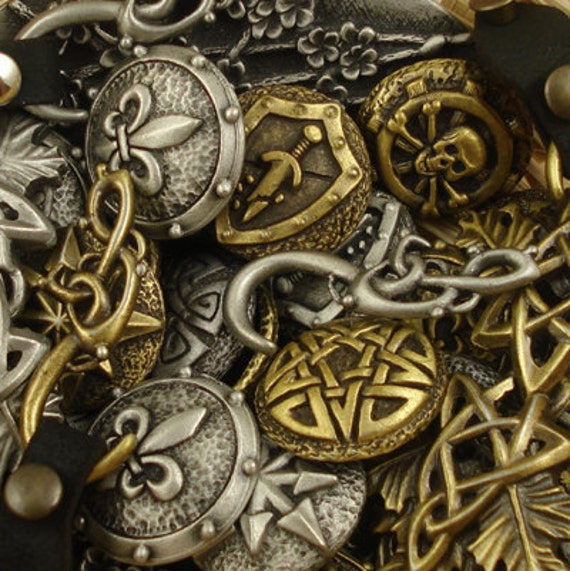 Mix and match - Pewter buttons - Lot of 25 - Antiqued Silver or Gold
