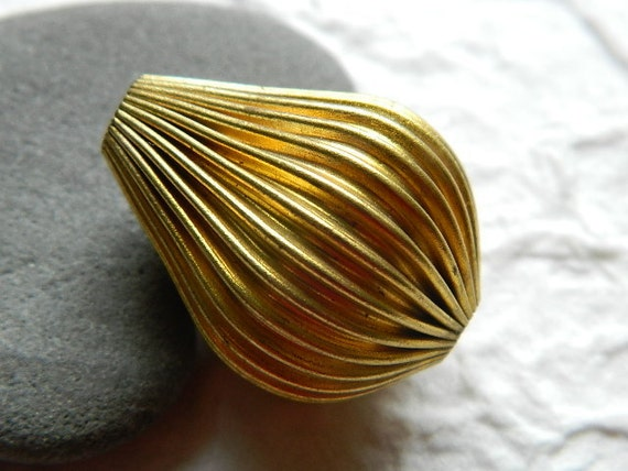 Vintage Brass Ribbed Teardrop Bead