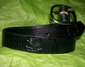 Womans Custom Leather Belt with Lilies