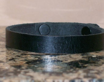 Narrow Plain Black Leather Bracelet