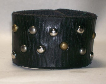 Wide Leather Cuff Bracelet with Multicolored Spots
