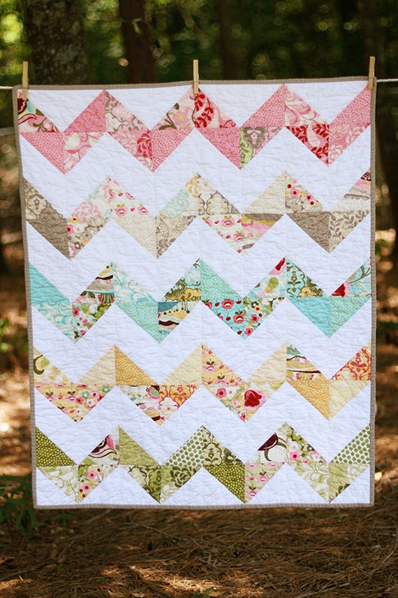 Hunky Dory Zig Zag Baby Quilt