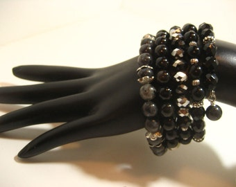 Continuous Wrap Around Memory Wire Bracelet - Black & Gray