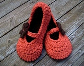 Cotton Mary Jane style slippers with flower in chocolate and tangerine