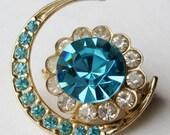 Vintage 40s Gold Coro Charmian Aquamarine Blue Crescent Moon & Stars Rhinestone Brooch Pin