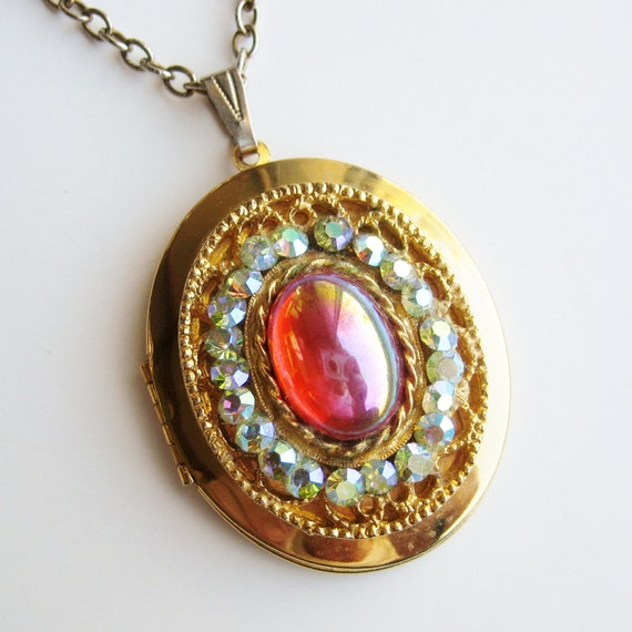 Vintage 50s Gold Filigree Rhinestone Victorian Revival Dramatic Locket Pendant Necklace