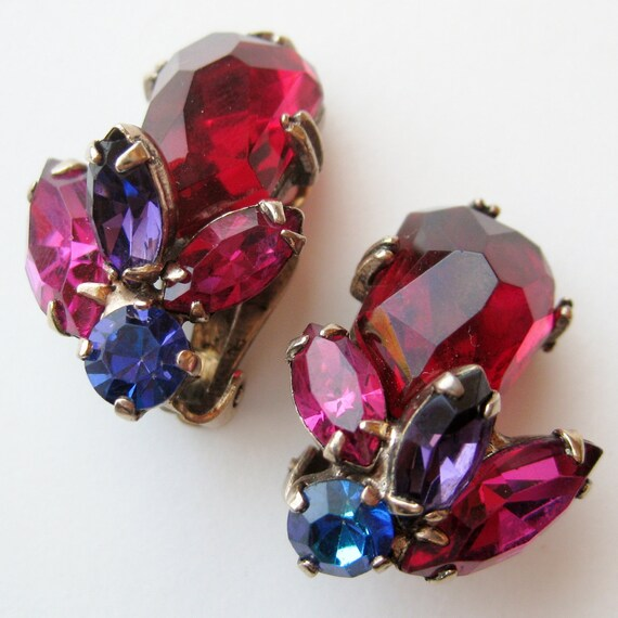 Vintage 50s 60s Sparkling Jewel Tone Rhinestone WEISS Designer Glamour Girl Clip Earrings
