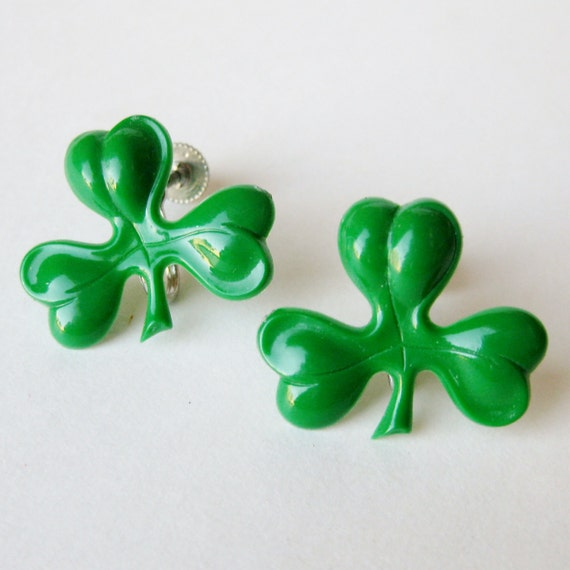 Vintage 30s 40s Luck of the Irish Green Celluloid St. Patricks Day Good Luck Clover Screwback Earrings
