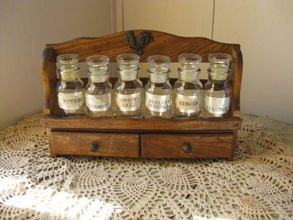6 apothecary spice bottles and rack 2 drawers country farmhouse shabby cottage early american