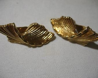 Vintage MONET Gold Tone Ear Clips
