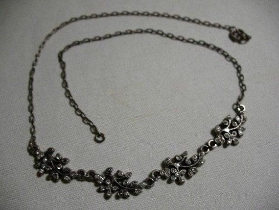 Vintage Silvertone Foliate Necklace with Rhinestones