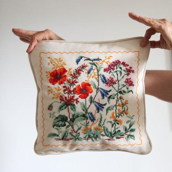 Cross Stitch Floral Fancy
