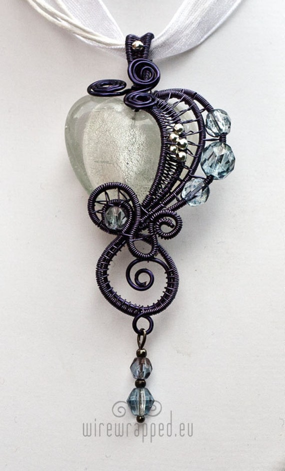 Clear gothic heart pendant