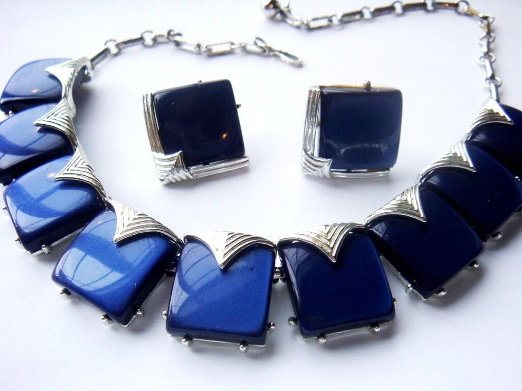 blue coro vintage necklace