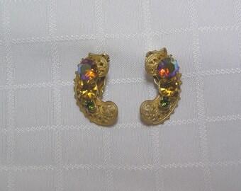 Vintage rhinestone and gold tone filigree clip earrings