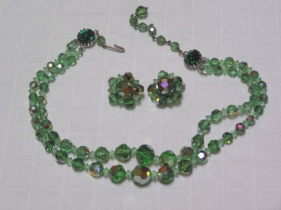 Vintage GORGEOUS green crystal double strand and glass stone necklace and earrings