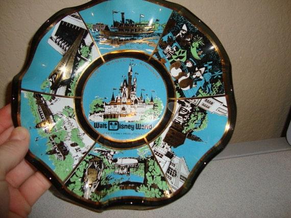 Vintage Walt Disney World The Magic Kingdom scenic wavy Glass Ashtray RETRO