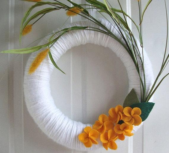 """Yarn Wreath Field Flowers 14"""""""