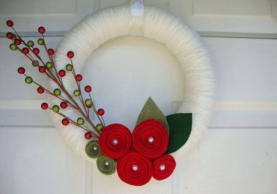 """Yarn Wreath Red Roses Front Door Decoration 12"""""""