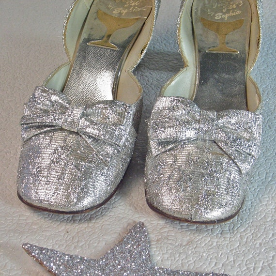 Vintage Shoes Silver 1960's Debutante Shoes Silver Bows Wedding Prom Cinderella Slippers size 7