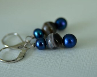 Royal Blue Pearl Earrings Sardonyx with Blueberry Freswater Pearls and Natural Sardonyx hanging from Leverback Ear Wires
