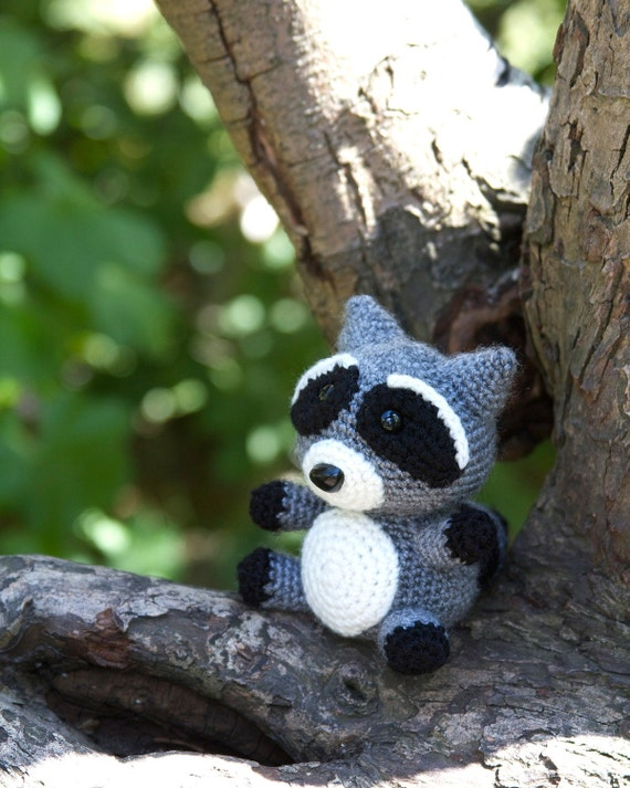 Amigurumi To Go Raccoon : Raccoon Amigurumi Crochet Pattern