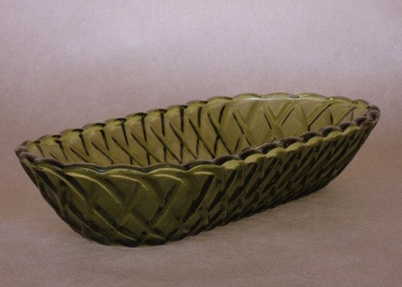 Vintage olive green Pretzel pattern celery dish  by Indiana Glass