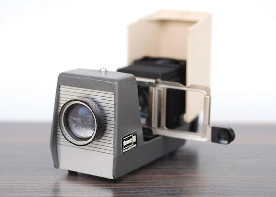 Vintage tmc pocket projector like new japan for Latest pocket projector