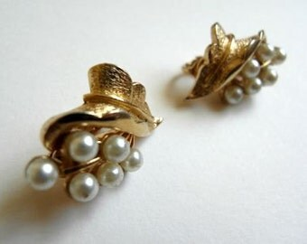 Vintage Coro Pearl Earrings Pearl Earrings Clip On Earrings