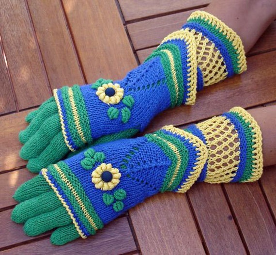 """Embroided gloves and mittens, """"Four Seasons"""" set by Dom Klary.RESERVED FOR EUFROSINA"""