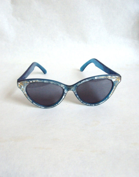 1950s Marbled blue & gold cat eye sunglasses with rhinestones