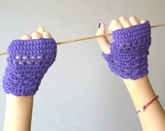 Purple gloves  Mittens Fingerless crocheted with wool