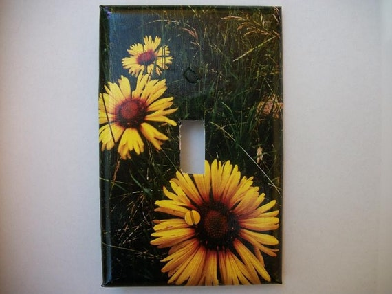 SWITCH PLATE COVER - Sunflowers in the Grass