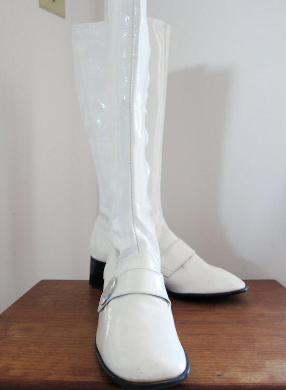 Vintage White Crinkle Patent Vinyl Go Go Boots Size 7 Sale