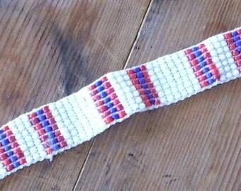 001:005 Friendship bracelet