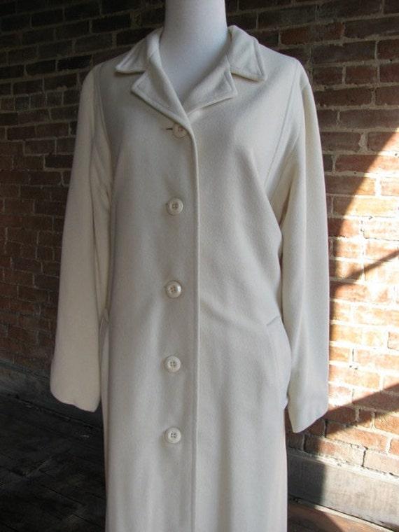 Vintage Winter White Ladies Wool Blend Winter Coat