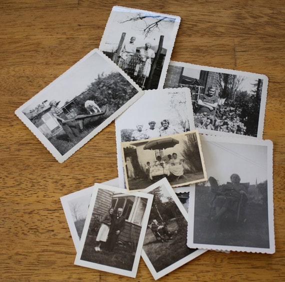Vintage Black and White PHOTOGRAPHS Lot  No. 12