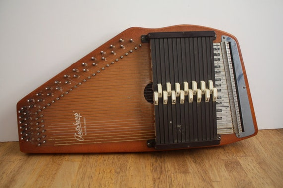 361836732829 further 361836732829 in addition 475824 Oscar Schmidt 15 Chord Autoharp 60s likewise Autoharp further Oscar Schmidt Os45ce Ae 21 Chord Classic Autoharp Whard Case More. on oscar schmidt autoharp pick up