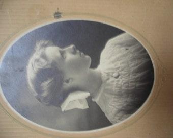 Victorian  Photograph Elberta