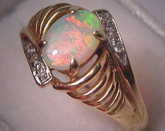 Estate Australian Opal Diamond Ring 14K Gold Vintage 6