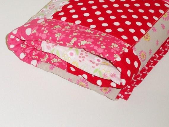 Matryoshka dolls baby and toddler girls quilt blanket red and pink handmade kids quilt zakka style quilt blanket