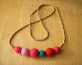 Felt Ball Necklace //no10//