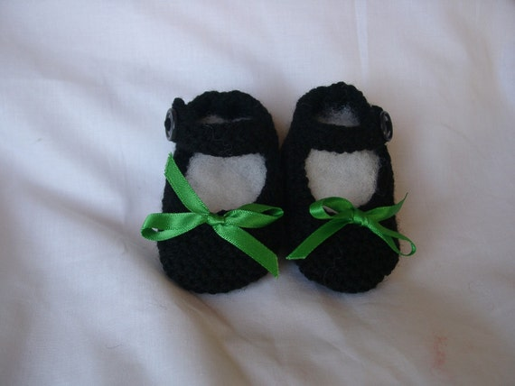 Baby girl's Mary Janes/bootees/shoes/slippers, hand knitted