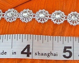 Silver Diamante Flower Trim  - 1meter