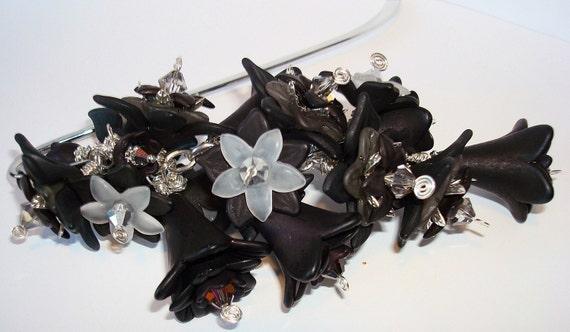 SALE Black Flower Bouquet Bookmark, Beaded Bookmark, Flower Bookmark, Black Bookmark