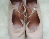 1920s vintage pale peach shoes - made by bally
