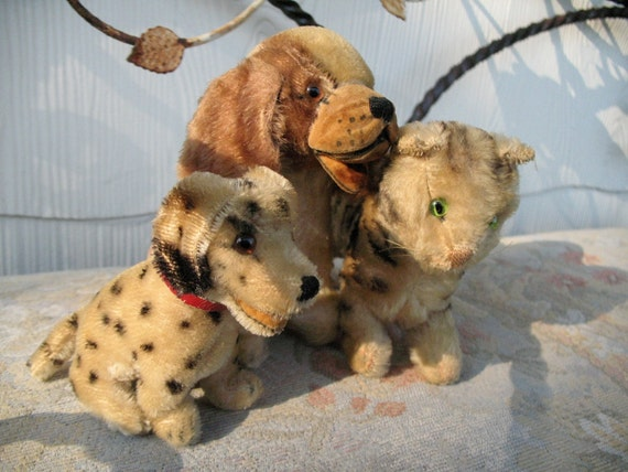 Vintage Steiff Pair of Dogs with Cat