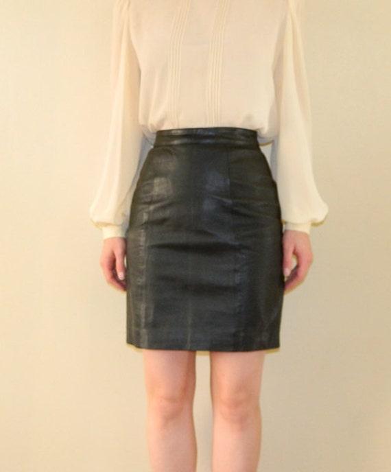 1980s Black Leather Mini Skirt XS-S